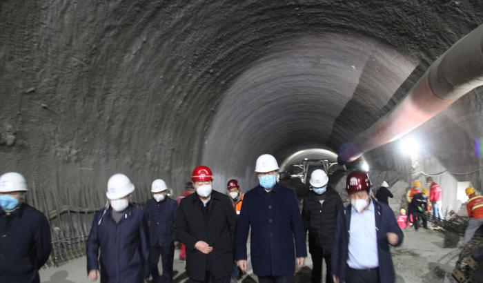 王军市长调研陆港委重点建设项目复工情况