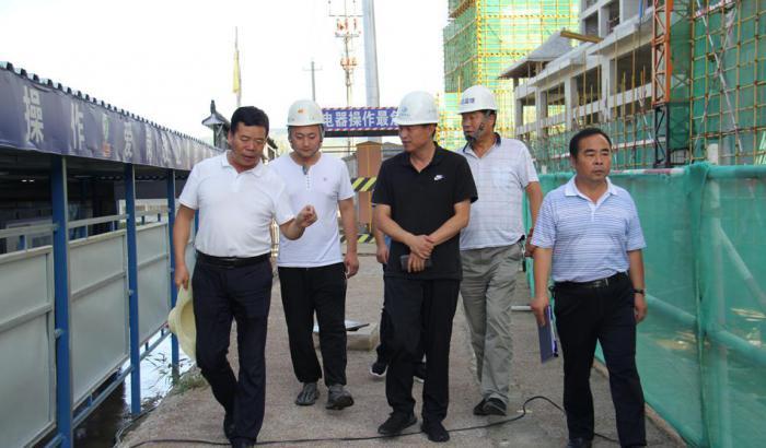 陆港管委会对在建项目进行防汛安全检查